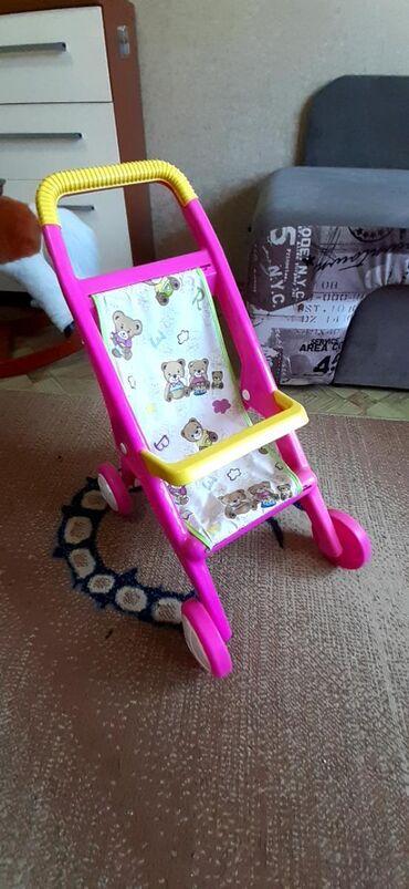прогулочную коляску лёгкая и удобна в Кыргызстан: Детские игрушки продаю коляску детскую абсолютно в отличном состоянии