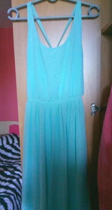 PullBear prelepa svetlo plava svecanija haljina. Ima postavu celom - Belgrade