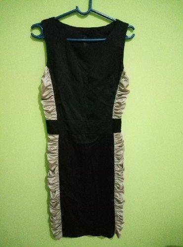 Haljine   Lebane: Svecana haljina velicina M prelepo stoji sa strane je rastegljiv