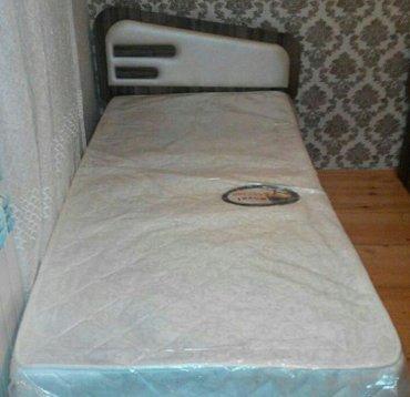 Bakı şəhərində Carpayı bir neferli matrasla birge