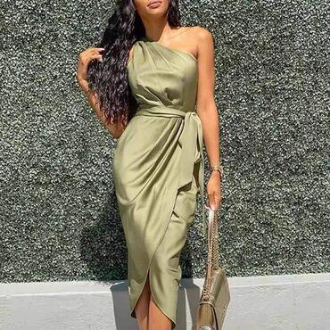 2100dinaraSatenska haljinaUniverzalna veličinaZemlja porekla Italija