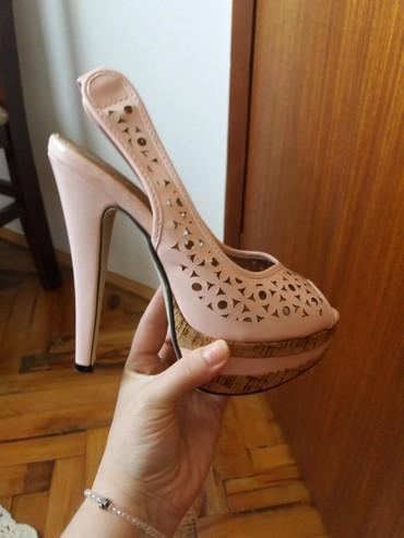 Sandale nove,broj 37 jednom nosene imaju samo malo ostecenje pozadi na - Bela Palanka