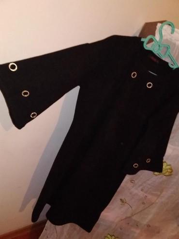 Qara paltar az giyilib 42 razmee
