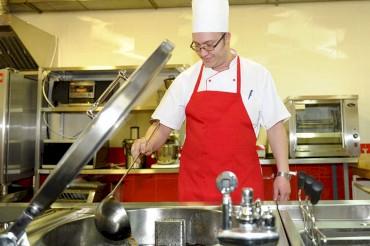 Требуются повара в кафе (р-н Вефы): в Бишкек