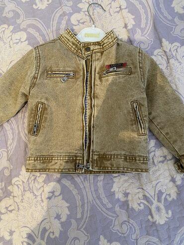 Детский мир в Баетов: Детская куртка на 1,5 -2 года новая
