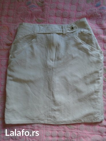 Majica la costa - Srbija: Bela, mini suknjica od lana. Velicina 38