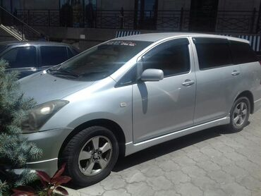 Toyota WISH 1.8 л. 2003   200 км