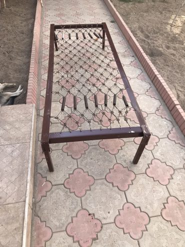 Продаю железную кровать Состояние отличное  в Бишкек