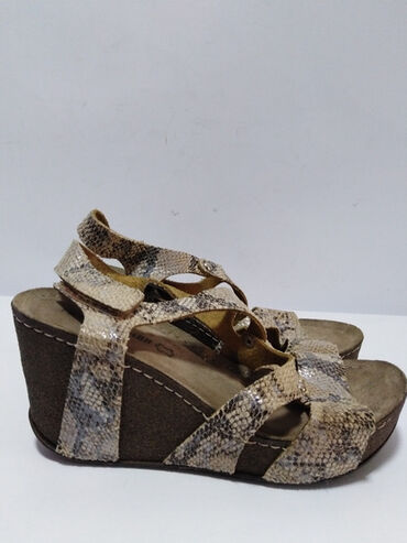 FRATELLI kožne sandale/platforma, izradjene od prirodne fine mekane