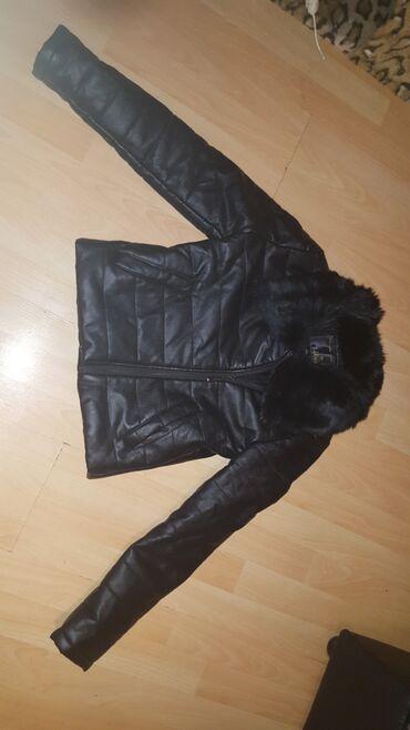 Krzneni kaputi - Paracin: Kozna jakna sa prirodnim krznom. prava koza je i deblja je za zimu i