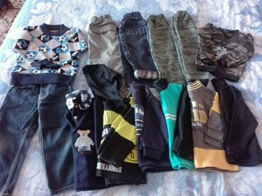 Детские вещи от 2-3 лет пакетом (5 штанишек и 8 толстовок)