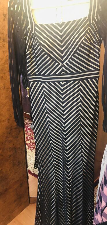 Продаю 1 вечернее платье от Stefano ( Ladyform) и 1 коктейльное чёрное