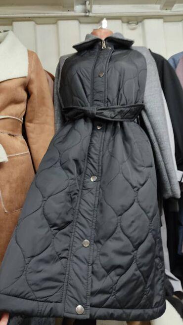 Куртки - M - Бишкек: Куртка деми плащ тонкая с трикотажными рукавами. Очень удобные