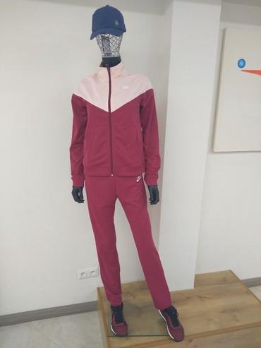 спорт костюм женский в Кыргызстан: Спортивный костюм женский, Nike есть размеры,цена 5500 сом #asics