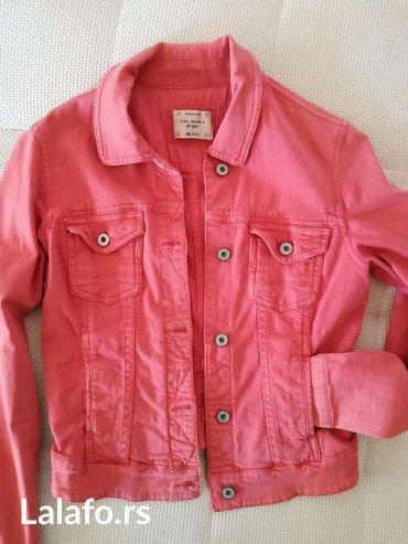 Bershka teksas jakna kao nova ,sa elastinom,u neobicnoj boji ista je - Nis