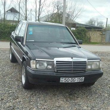 Bakı şəhərində Mercedes-Benz 190 1992