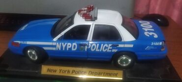 1/18 NYPD police Ford crown
