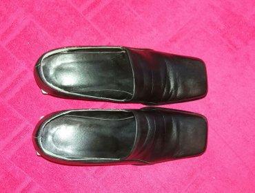 Ženske crne kožne cipele, broj 36, malo nošene, skoro kao nove. Jako u - Nis