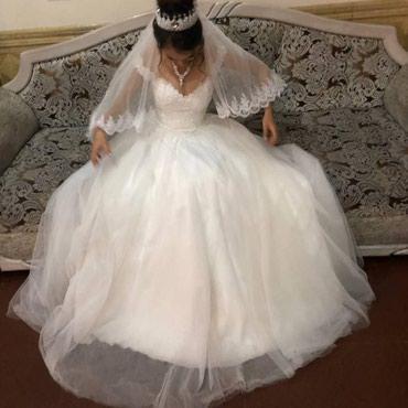 Свадебные платья - Токмак: Продаю своё свадебное платье, одето один раз. Платье пышное, белое и