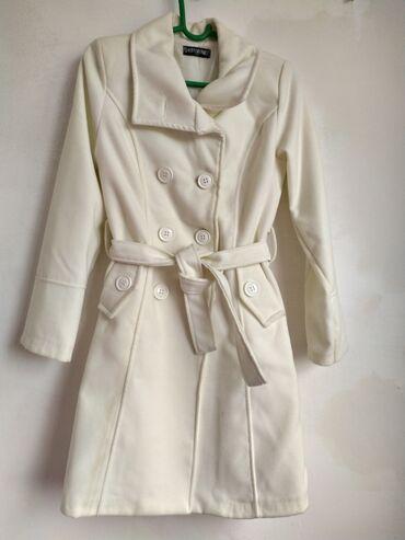 Женские пальто в Бишкек: Разгружаю гардероб!Все в отличном состоянии!ПАЛЬТО