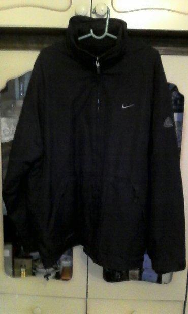 Nike muska crna jakna, skoro nova, postavljena, topla. Postava moze da - Beograd