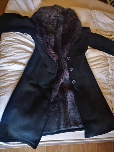 Zimske - Srbija: Na prodaju zimski kaput, polovan ali dobro ocuvan. Kaput je topao