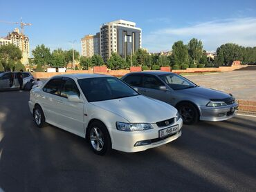 Honda Accord 2 л. 2001 | 2004 км
