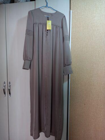 Продается 2 новые платья+подарок пальто👌