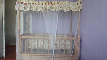 Детская мебель в Сокулук: Продаю детскую кроватку,ходунки и стульчик для кормления малыша.В