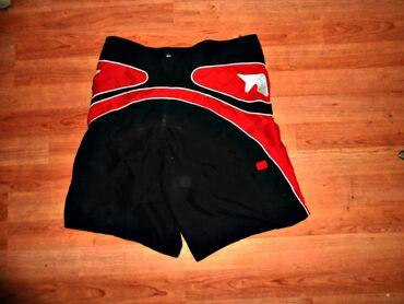 Bermude crveno crne