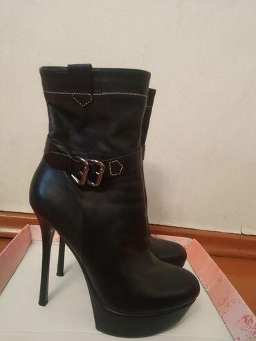 Женская обувь - Кыргызстан: Натуральная кожа высота каблука 13 см, ни разу не носила