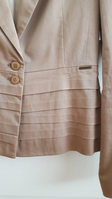Bluza p - Srbija: Sako braon boje, strukiran. Veličina 36, pamuk/viskoza. Odlično