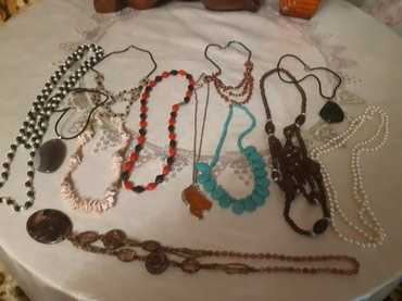 Продаю разные бусы простые и в Бишкек