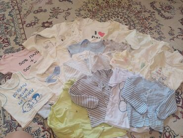 Детские вещи для новорожденных очень много видно на фото целый