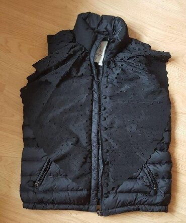 moncler jakne - Azərbaycan: Brend Moncler. Italiya. Original. 140 azn alinib. 50 azn satilir