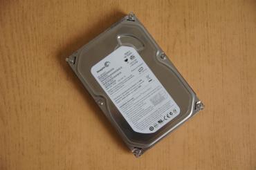 HDD Seagate 220 gb Sata çıxışlı 40 azn
