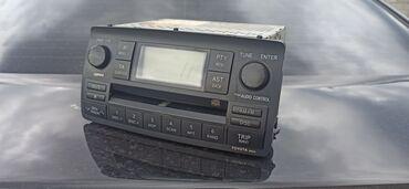 Штатная магнитола на Toyota Corolla 2005 года.  Глючит дисплей можно и