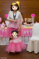 платье для мамы и дочки на годик в Кыргызстан: Продам платья для мамы (размер m) и для дочки (12 мес). надеты один