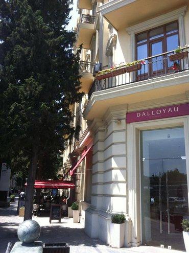снять квартиру посуточно почасово - Azərbaycan: Посуточно! В цетре города на краю бульвара перед Кукольный театром