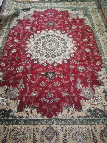 Xalçalar Göytəpəda: Iran xalcalasidir.4×3olcude.yenidir.qiymet 400manat.Real alıcıya