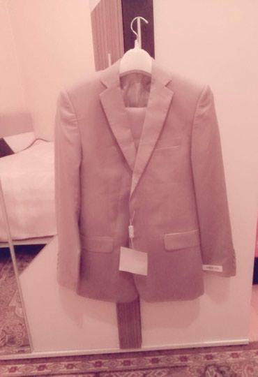 Bakı şəhərində Salam kostiyum satiram tezedi rasiyanindi geyilmeyib qiymeti 150 azn.