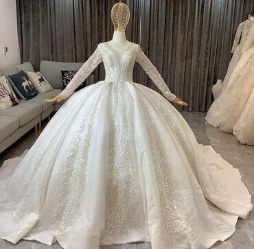 бу свадебное платье в Кыргызстан: Шикарные свадебные платья по 10000с на прокат + фата, .ижутерия, букет