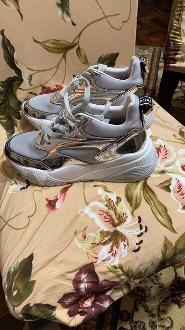Срочно Брендовые вещи :  оригинал кроссовки женские -36 размер, идут и