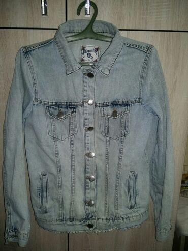 Продаю Куртку джинсовую женскую фирменная 40-42размера в идеальном