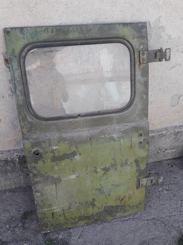 УАЗ задний дверь стекло не разбито! Не гнилой трещин нету!