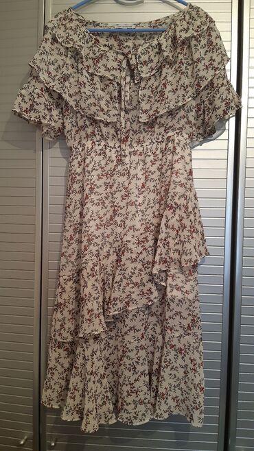 Nova leprsava romanticna haljina,sa volanima, postavljena. Prelepo