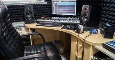 Bakı şəhərində Ses Yazma Studiosu  Her wey var,hazir studiodur cemi 800azn  Xaiw