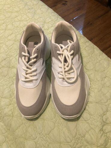 Кроссовки и спортивная обувь в Кыргызстан: Продаю кроссовки фирмы Kinetix