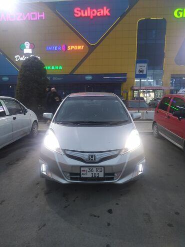 Honda Fit 1.3 л. 2011