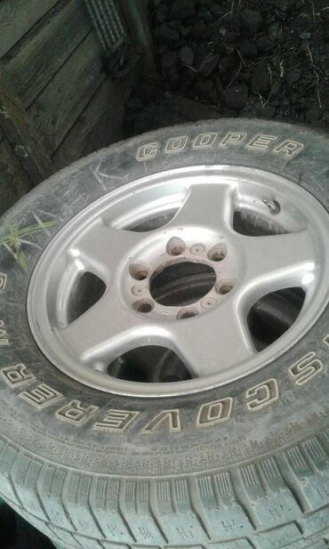 Автозапчасти и аксессуары - Беловодское: Срочно продам диски с резиной!